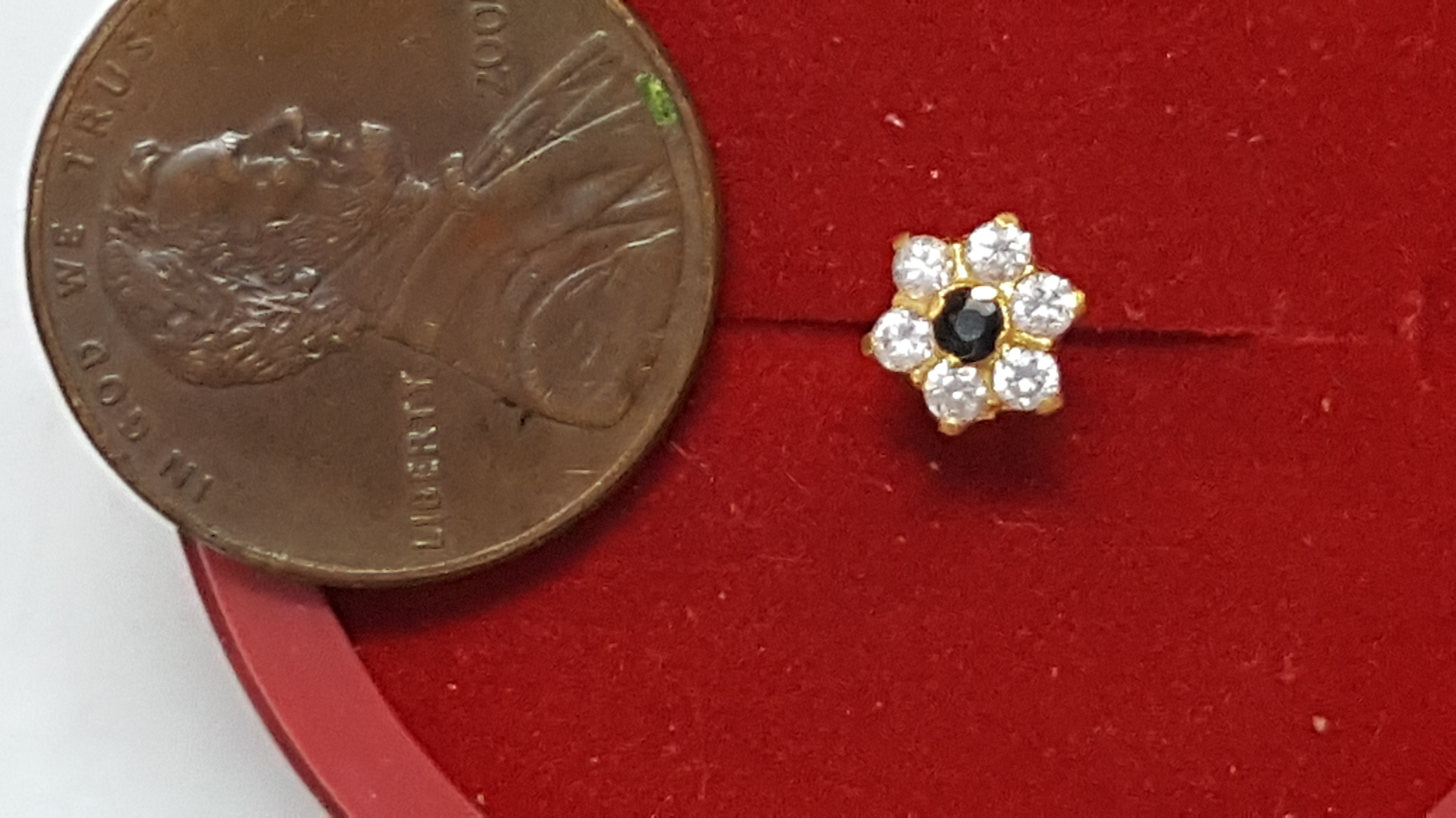 22k Gold Nose Pin Stud Ring 6 White 1 Black Stone Combined